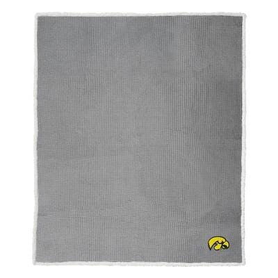 """NCAA Iowa Hawkeyes 50""""x60"""" Waffle Sherpa Blanket"""