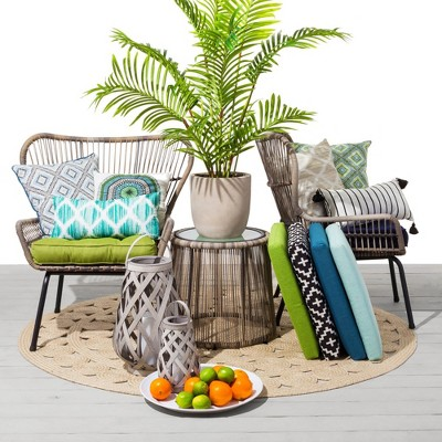 Global Outdoor Décor Collection