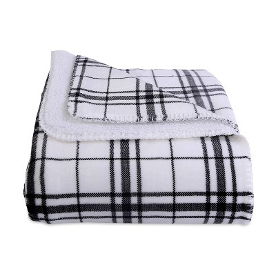 "60""x70"" Reversible Plaid and Sherpa Throw Blanket Black - Better Living"