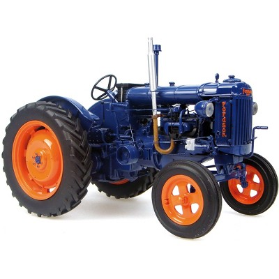 Fordson Major E27N Wide Tractor (Circa 1945-1952) 1/16 Diecast Model by Universal Hobbies