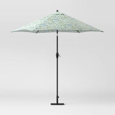 9' Sammamish Floral Round Umbrella DuraSeason Fabric™ - Threshold™