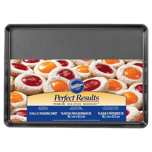 "Wilton Perfect Results Premium 15"" x 21"" Mega Cookie Pan - image 1 of 3"