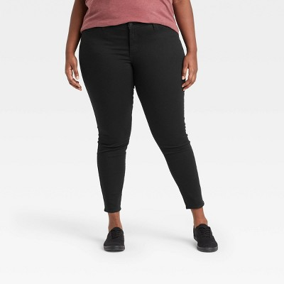 Women's Plus Size Mid-Rise Curvy Skinny Jeans - Universal Thread™