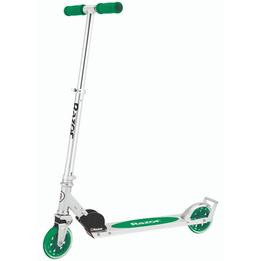 Razor A3 Kick Scooter - Green image number null