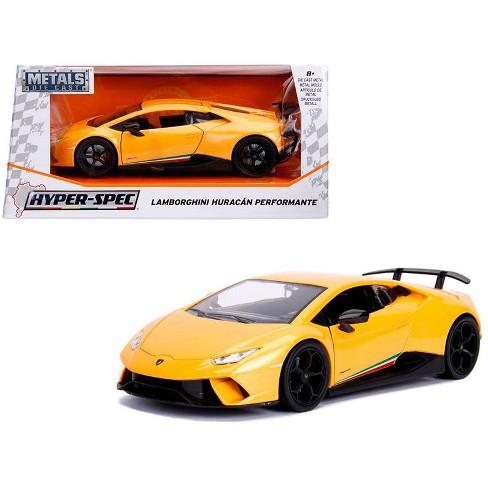 Lamborghini Huracan Perfomante Metallic Yellow 1 24 Diecast Model