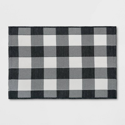 2'x3' Indoor/Outdoor Reversible Scatter Rug Black/White - Threshold™
