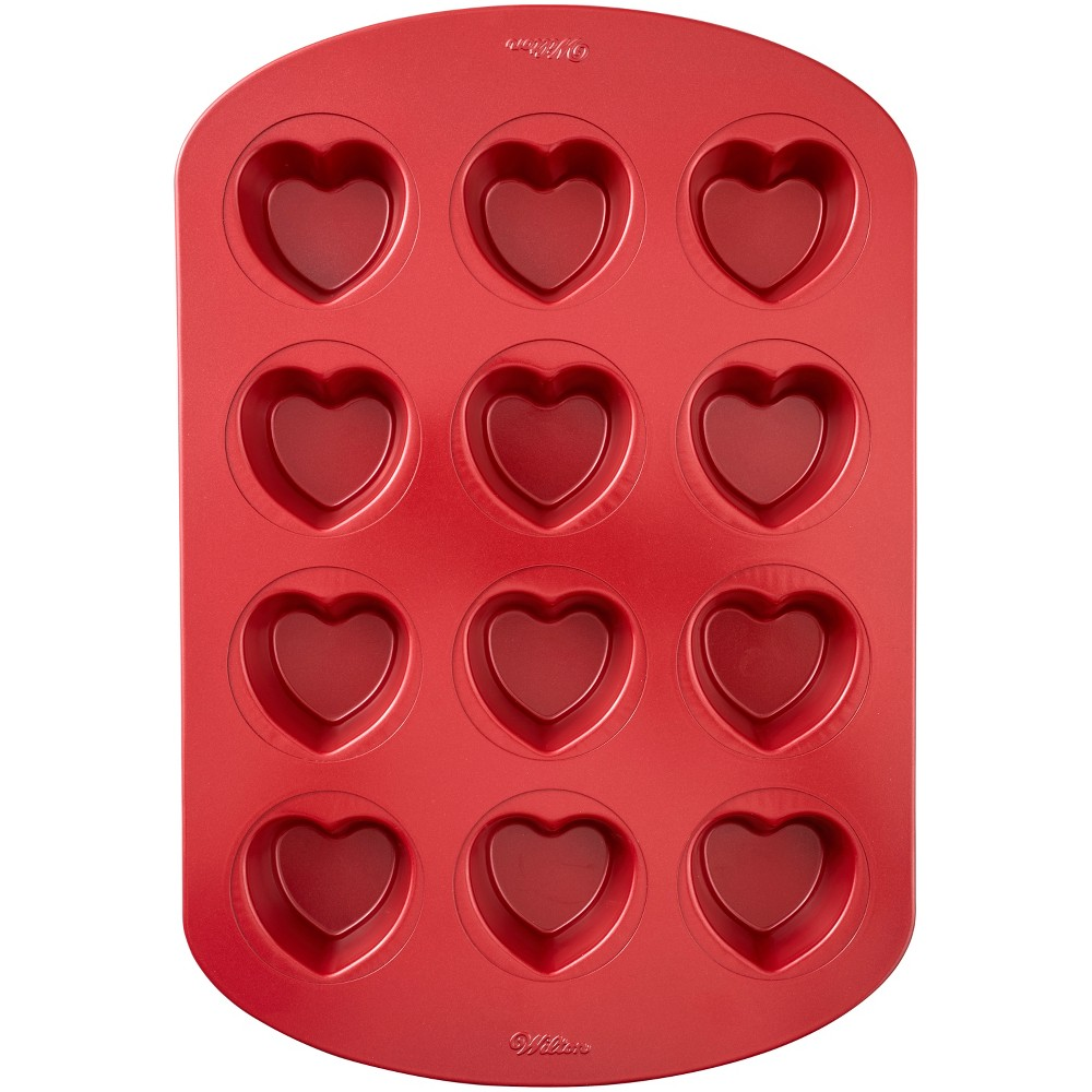 Steel heart muffin pan