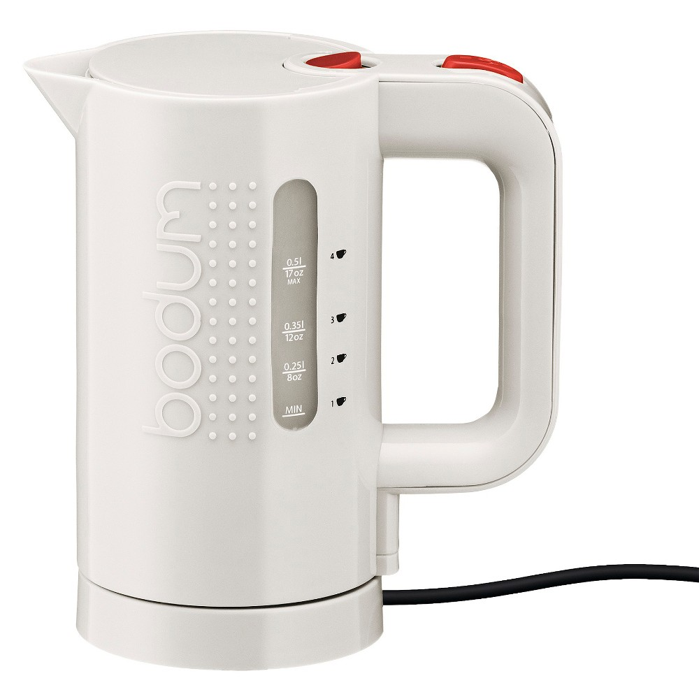 Electric water kettle, 0.5 l, 17 oz, White The Bodum Bistro electric water kettle is designed to rapidly boil with energy-saving efficiency and is ideal for heating water for coffee, tea, instant soups, and more. The easy to read water level indicator prevents waste of water and energy. The electric water kettle has a steam sensor for automatic shut-off and added safety. Color: White.