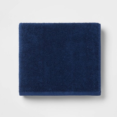 Everyday Solid Bath Towel Navy Blue - Room Essentials™