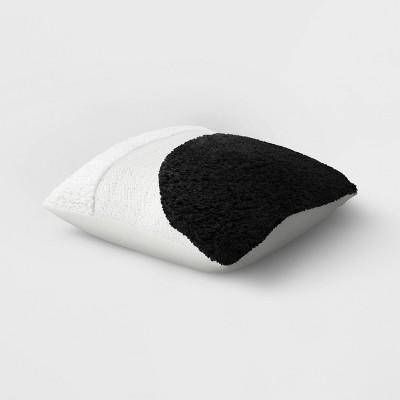 Throw Pillow Arc Black/White - Project 62™
