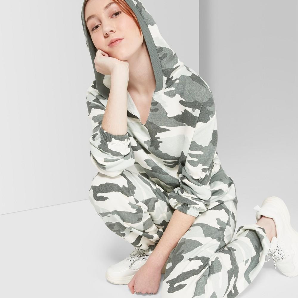Women's Camo Print V-Neck Sweatshirt - Wild Fable Green Xxl