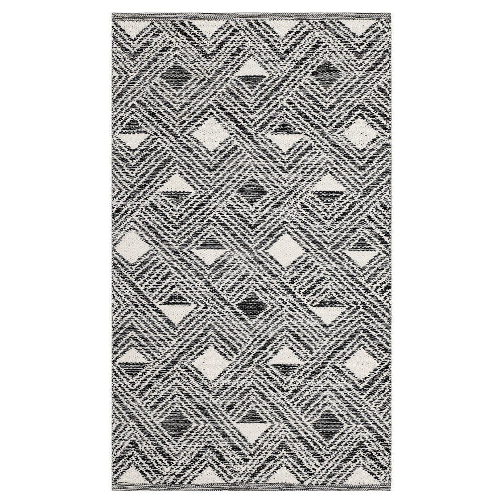 Black/Ivory Geometric Woven Area Rug 5'X8' - Safavieh