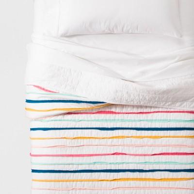 Ruffle Stripe Quilt (Twin)- Pillowfort™