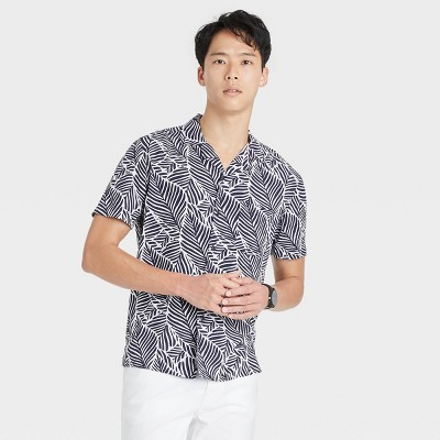 Men's Regular Fit Camp Collar Short Sleeve Button-Down Shirt - Goodfellow & Co™
