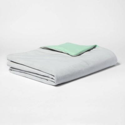40 x60  6lbs Waterproof Weighted Blanket Gray - Pillowfort™