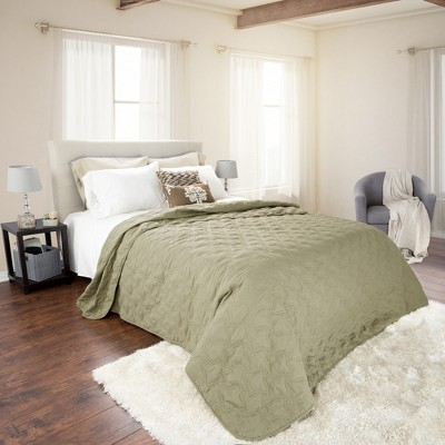 Green Solid Color Quilt (Full/Queen)- Yorkshire Home