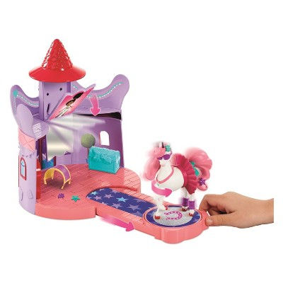 Nella the Princess Knight - Trinkets Stable Playset