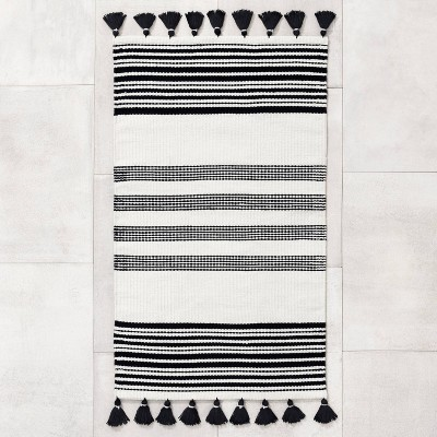 "30"" x 50"" Indoor/Outdoor Stripe Rug Black - Hearth & Hand™ with Magnolia"
