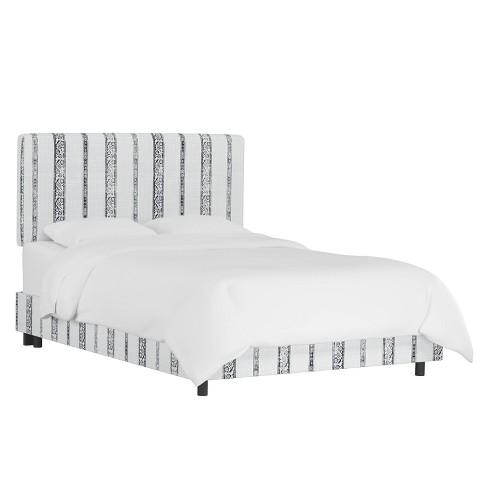 Queen Box Seam Bed Block Print Stripe Light Gray - Cloth & Company - image 1 of 4