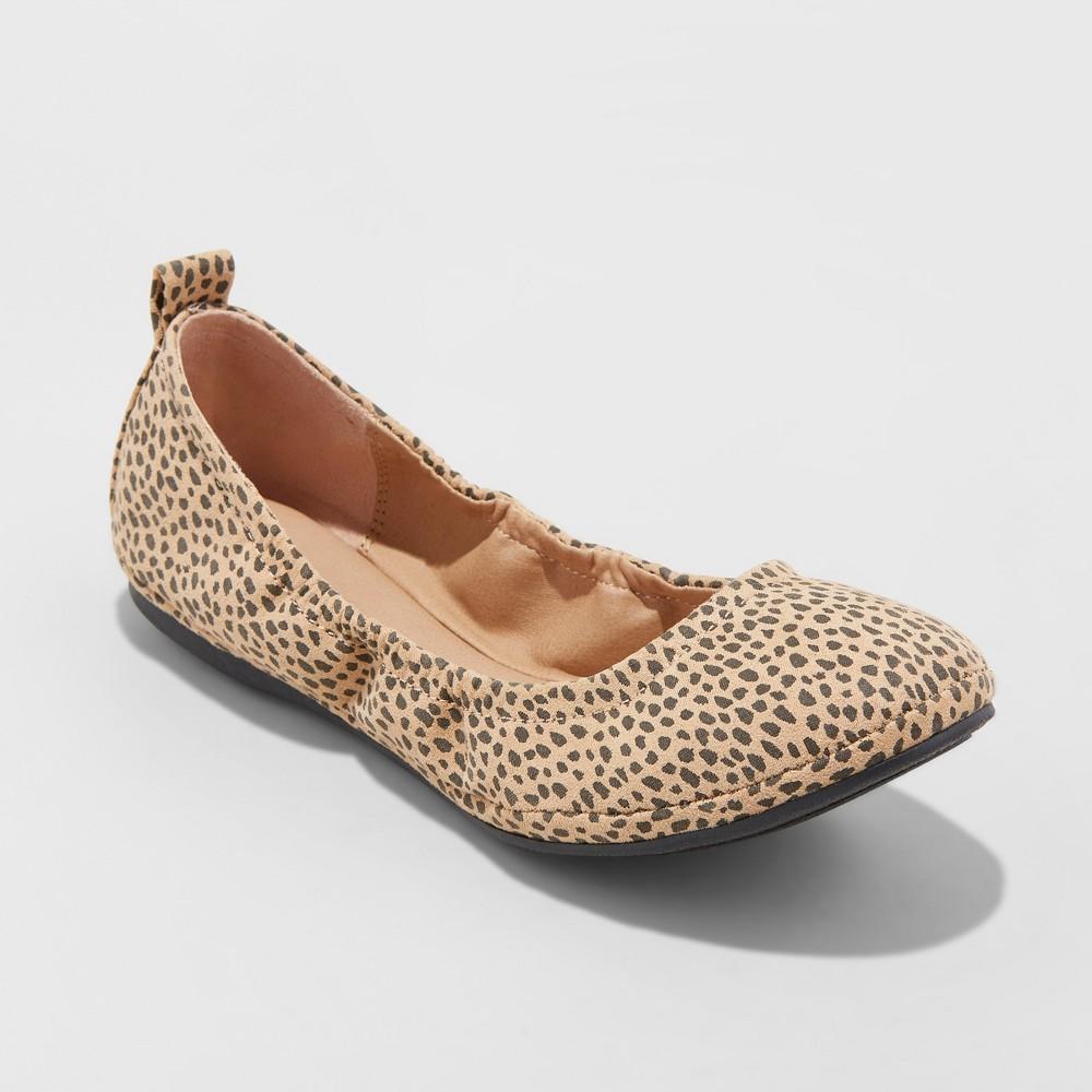 Women's Delaney Wide Width Round Toe Ballet Flats - Universal Thread Tan 10W, Size: 10Wide