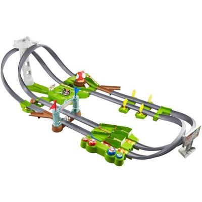 Hot Wheels Mario Kart Mario Circuit Trackset by Hot Wheels
