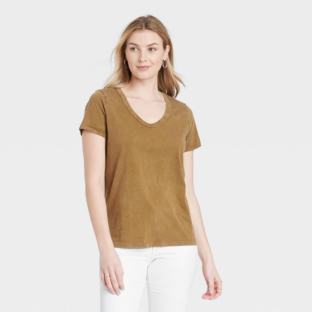Women 39 S Short Sleeve Scoop Neck T Shirt Universal Thread 8482 Light Brown Xs
