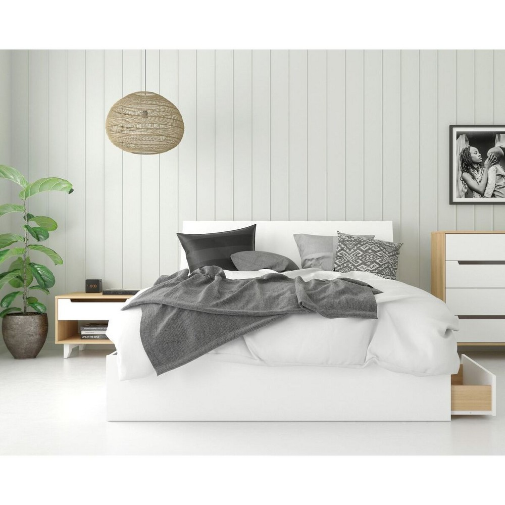 Queen 3pc Radiance Platform Bed Bundle Natural Maple/White- Nexera, Natural Maple/White