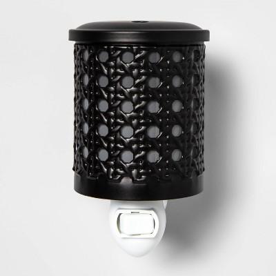 "5.2"" x 4.5"" Bamboo Lattice Pattern Plug-In Scent Warmer Black - Threshold™"
