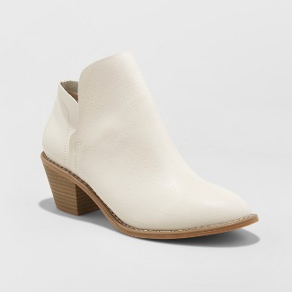 Women's Indie Heeled Booties - Universal Thread™ White 8