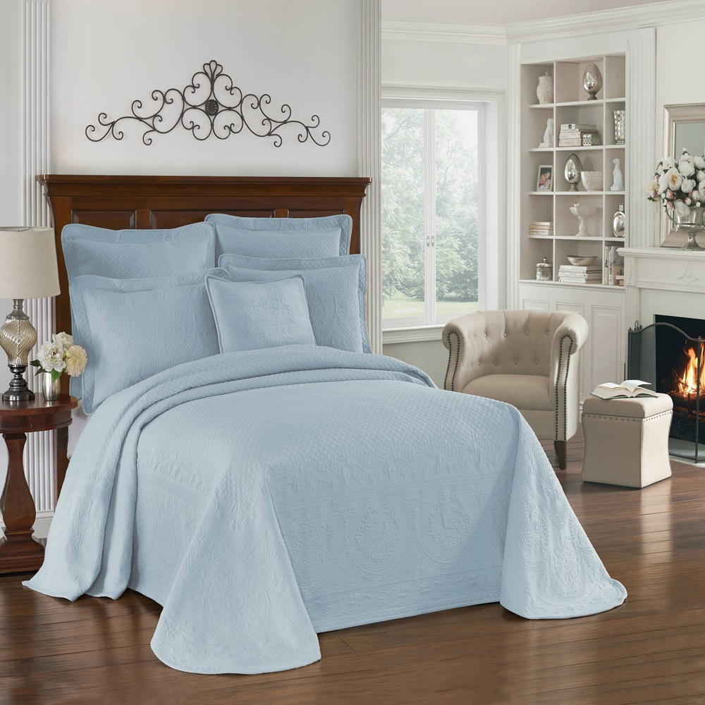 Image of Blue King Charles Matelasse Bedspread (Queen) - Historic Charleston