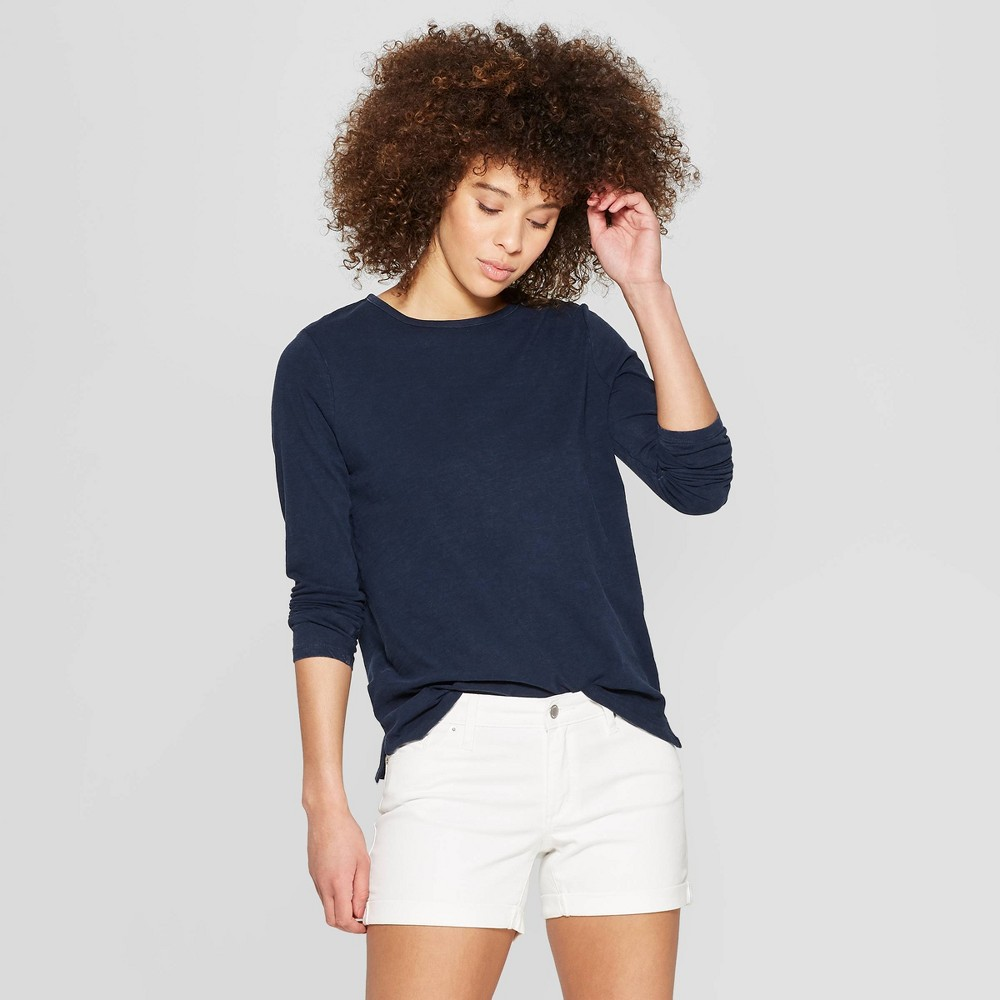 Women's Long Sleeve Crewneck T-Shirt with Side Slit - Universal Thread Navy (Blue) XS