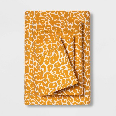 King Printed Pattern Percale Sheet Set Yellow Leopard - Opalhouse™