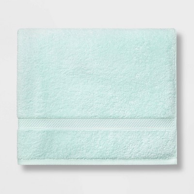 Soft Solid Bath Towel Mint Green - Opalhouse™