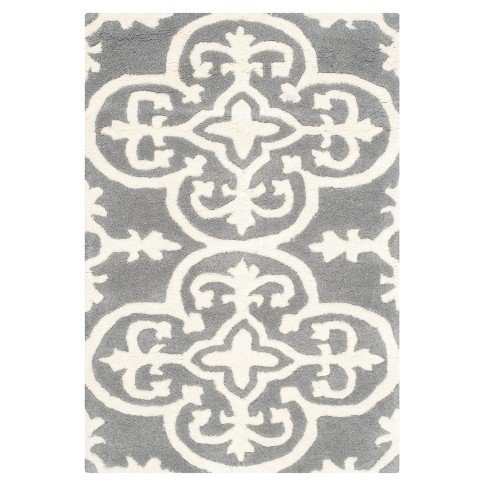 Dark Blue/Ivory Medallion Tufted Accent Rug 3'X5' - Safavieh - image 1 of 2