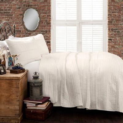 White Pom Pom Stripe Quilt Set (Full/Queen)- Lush Decor