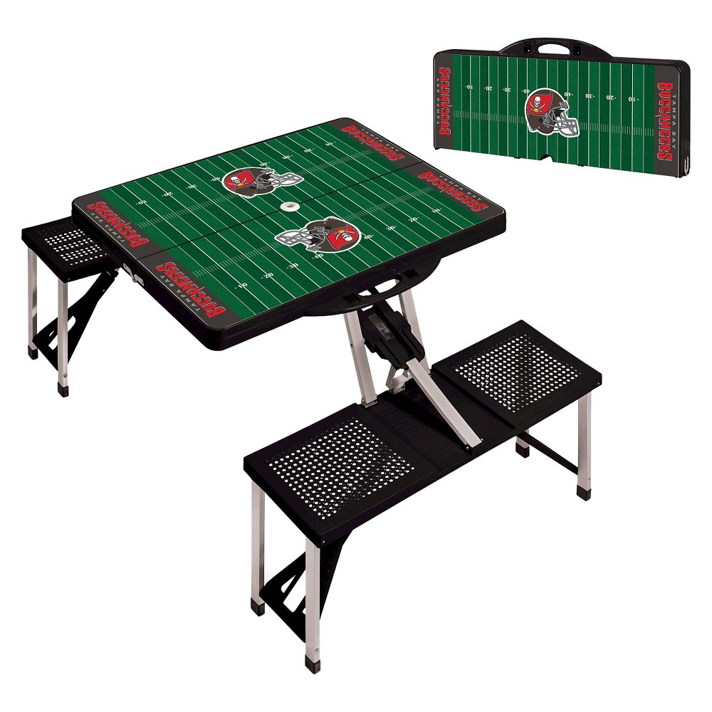 Tampa Bay Buccaneers Portable Picnic Table with Sports Field Design by Picnic Time - Black
