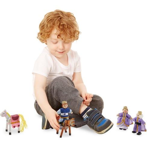 Melissa Doug Royal Family Wooden Doll Set 6pc