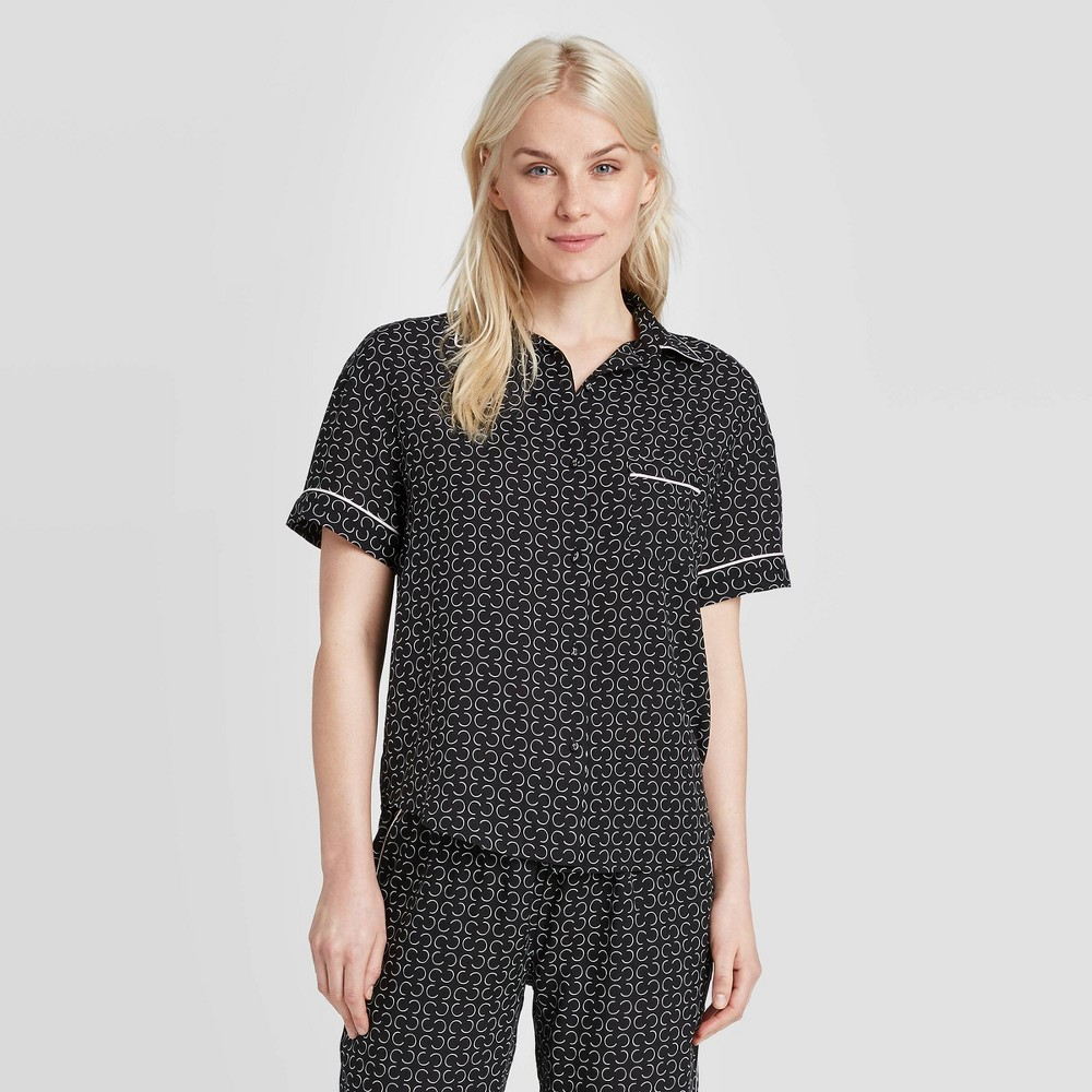 Image of Women's Geo Print Simply Cool Short Sleeve Button-Up Shirt - Stars Above Black S, Women's, Size: Small