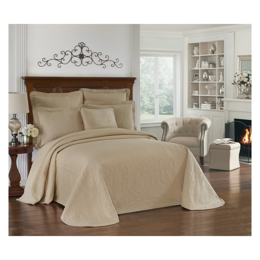 Image of Birch (Brown) King Charles Matelasse Bedspread (King) - Historic Charleston