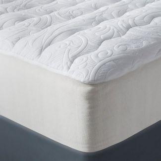 Luxury Plush Mattress Pad (Full) White - Fieldcrest™
