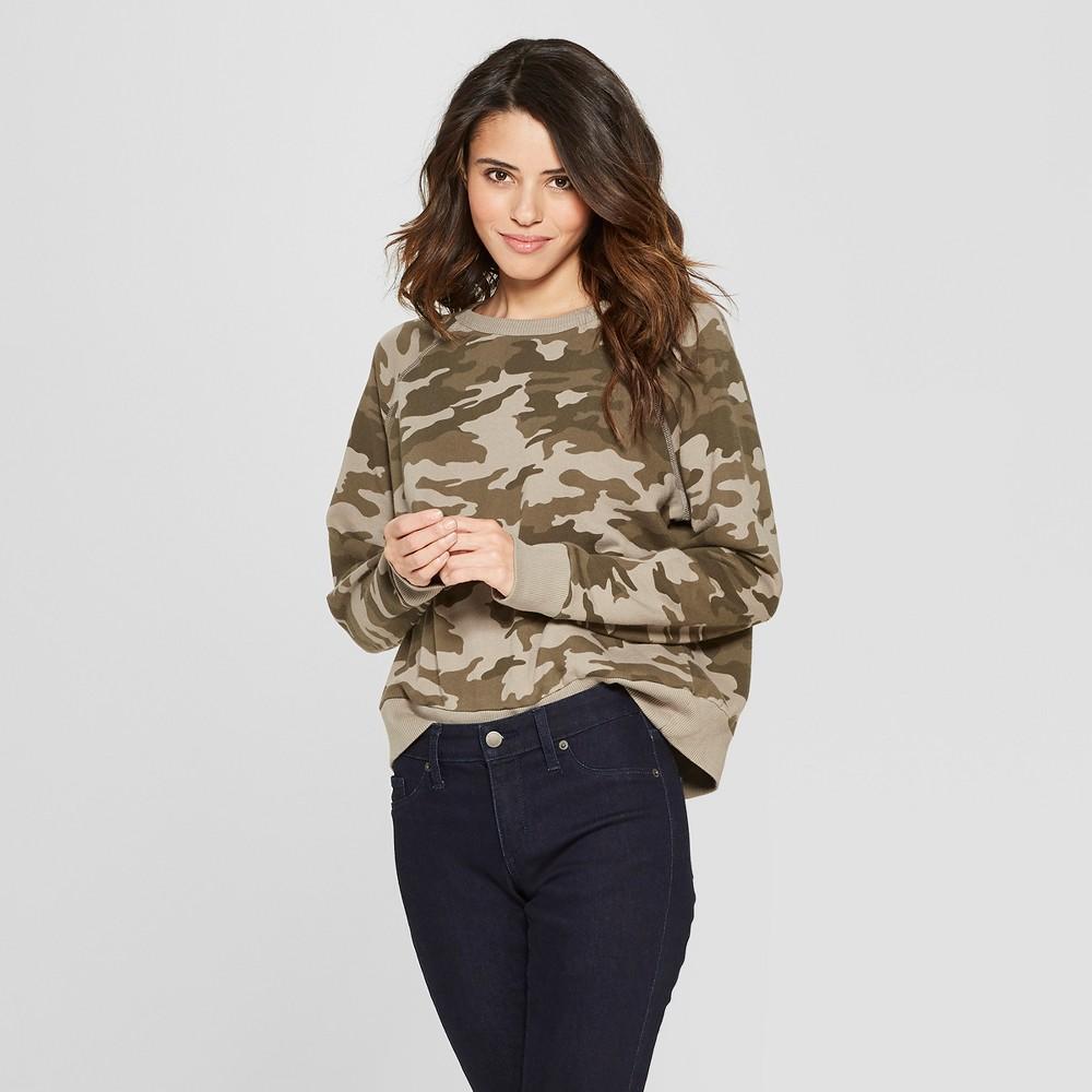 Women's Camo Print Long Sleeve Crew Neck Sweatshirt - Universal Thread Green S