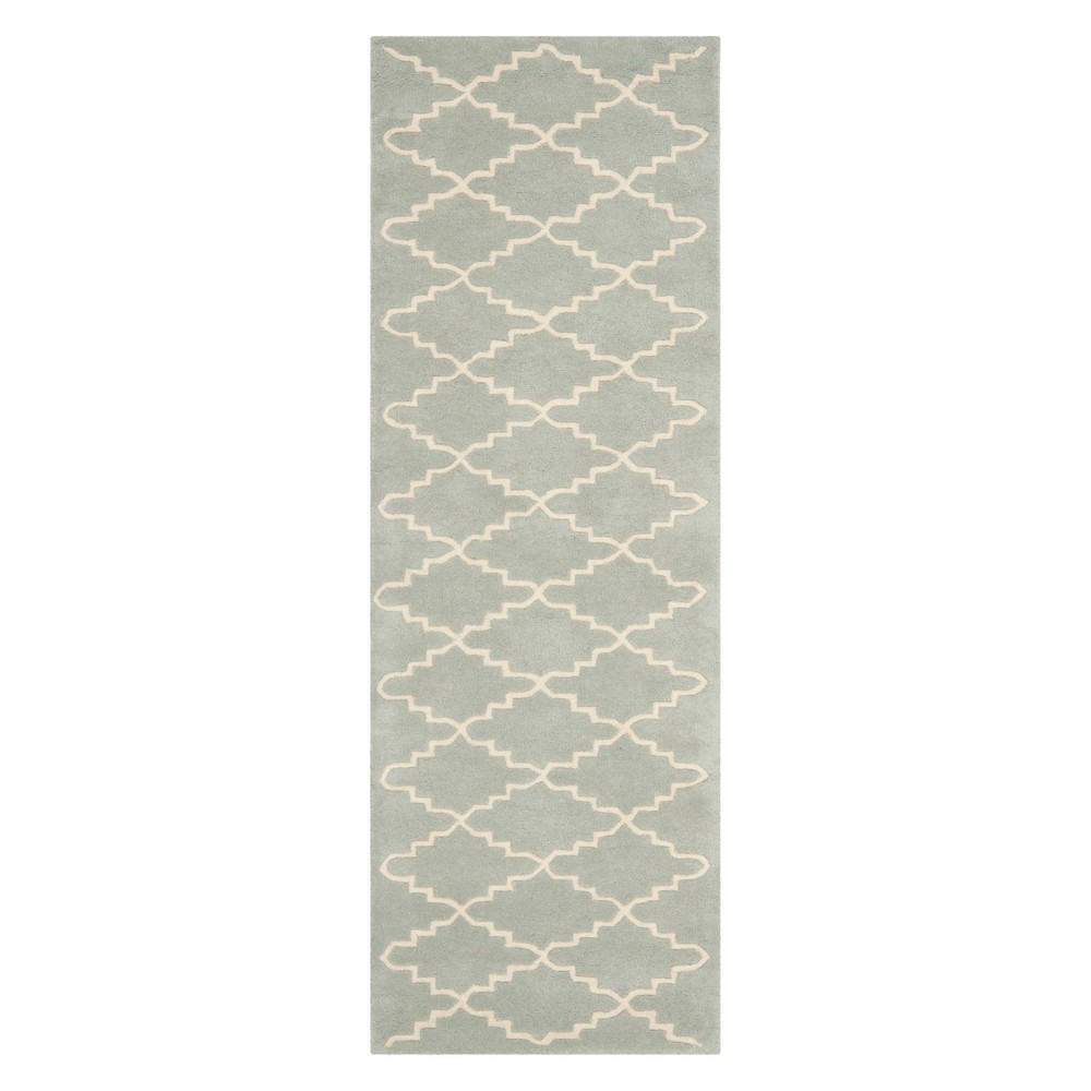2'3X11' Quatrefoil Design Tufted Runner Light Blue/Ivory - Safavieh