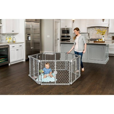Regalo 2 -in -1 Play Yard and Baby Gate