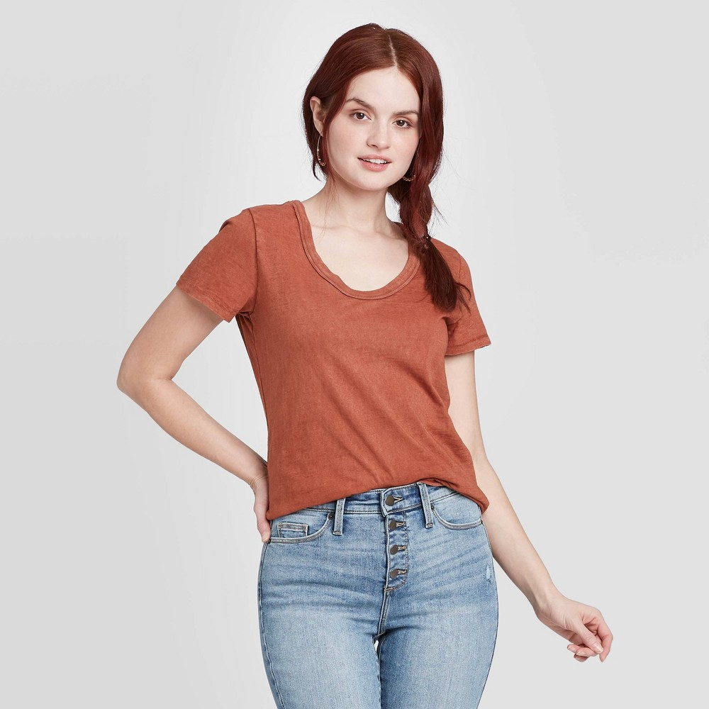 Women's Short Sleeve V-Neck Relaxed Fit T-Shirt – Universal Thread Brown XS, Women's