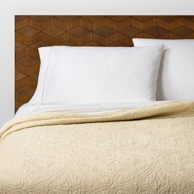 King Stitched Medallion Quilt Tan - Opalhouse™
