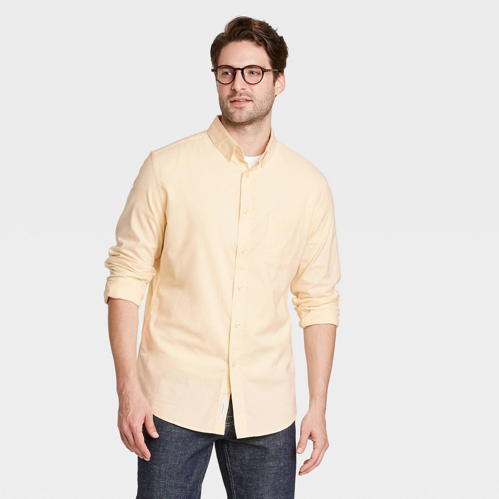 Men 39 S Slim Fit Stretch Oxford Long Sleeve Button Down Shirt Goodfellow 38 Co 8482 Gold M