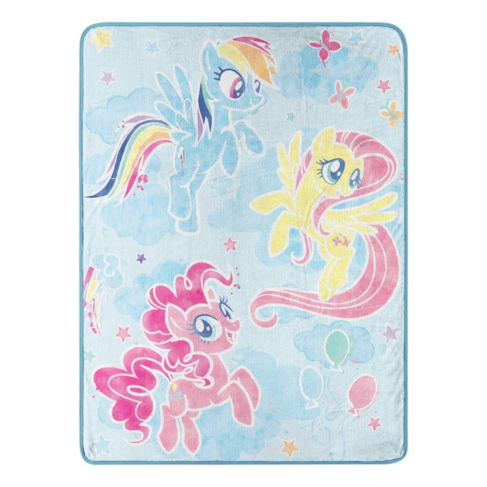 "Image of ""My Little Pony 46""""x60"""" Looking Fly Throw"""