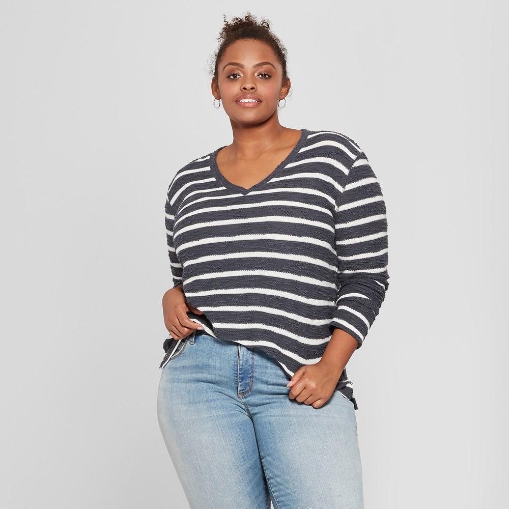 Women's Plus Size Striped Textured Pullover - Ava & Viv Gray/Cream X