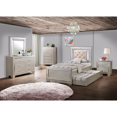Stupendous Glamour Youth Bedroom Collection Picket House Furnishings Interior Design Ideas Helimdqseriescom