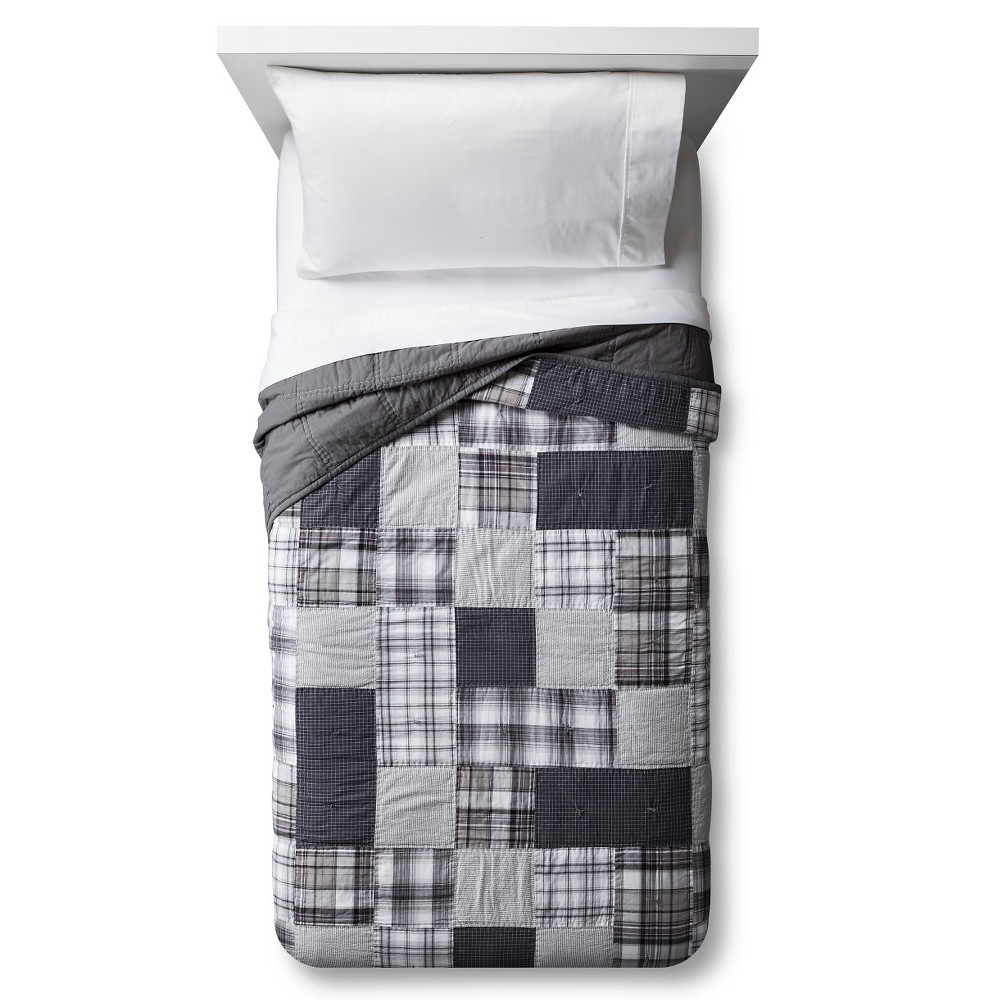 Hand-Stitched Patchwork Plaid Quilt (Full/Queen) Gray - Pillowfort